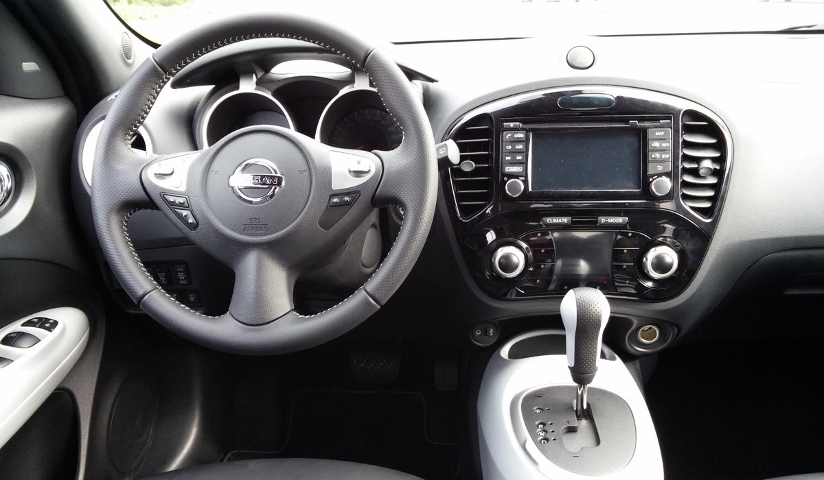 D couverte nissan jukeen voiture carine en voiture carine for Nissan juke interieur