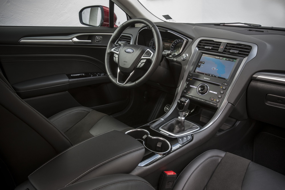 ford-mondeo-interieur