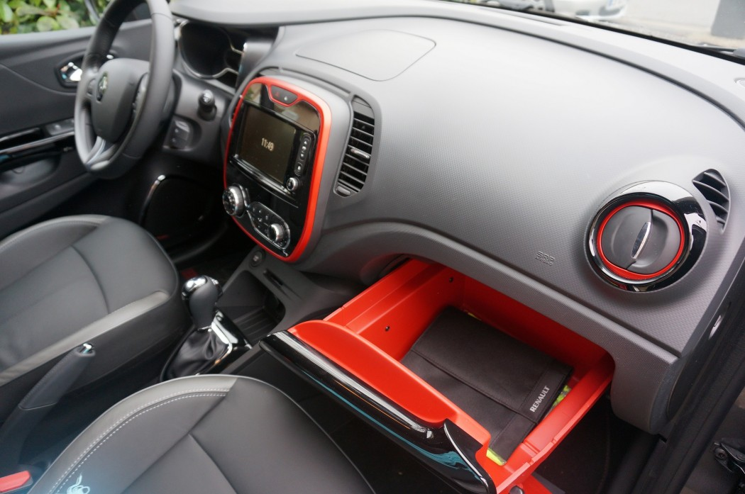 essai renault captur helly hansen en voiture carine. Black Bedroom Furniture Sets. Home Design Ideas