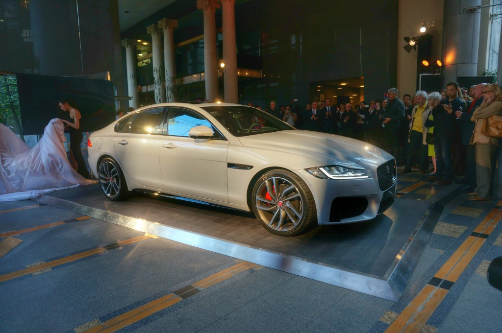 jaguar-xf-2015-paris (3)
