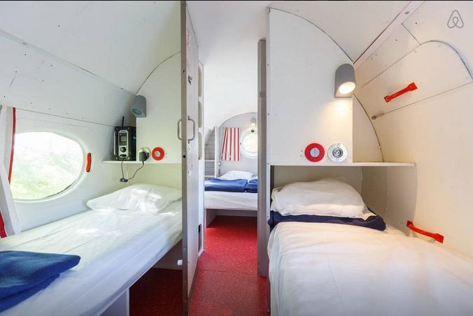 avion-airbnb-7