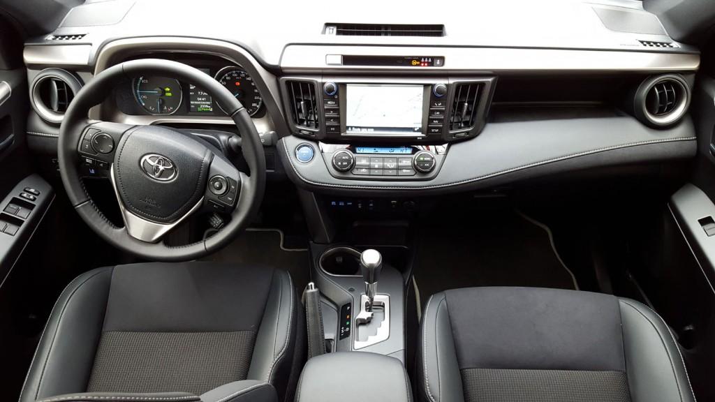 essai toyota rav4 hybrideen voiture carine en voiture. Black Bedroom Furniture Sets. Home Design Ideas